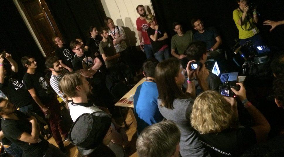 Demo of the Acouspade directional speaker